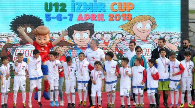 U12 İzmir Cup'a tam not