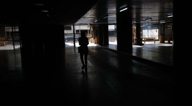 Venezuela yine karanlıkta