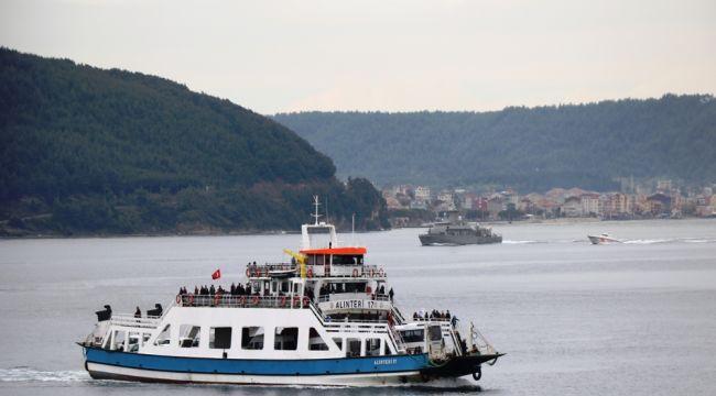 Yunan savaş gemisi Çanakkale Boğazı'ndan geçti