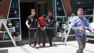 200 bin liralık vurgun yaptı: Rezidansta alem yaparken yakalandı