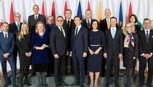 Avusturya'da hükümet krizinde gözler güven oylamasında