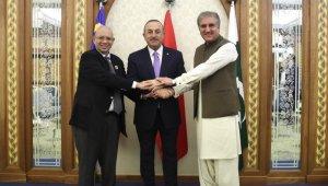Bakan Çavuşoğlu Malezyalı ve Pakistanlı mevkidaşları ile görüştü