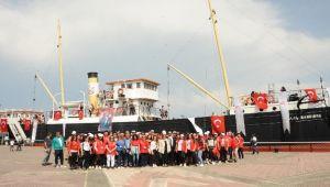 Balçovalı gençler 100. yılda Samsun'da tarihe tanıklık etti