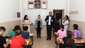 Başkan Utku Gümrükçü'den Öğrencilere Başarılar Dileği