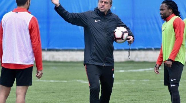 BB Erzurumspor'da Hamza Hamzaoğlu ile yollar ayrıldı