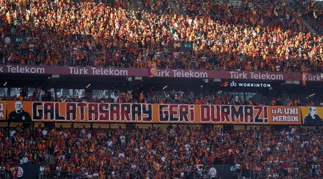 Galatasaray'da kupa töreni başladı