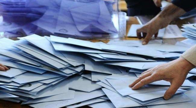 Gürcistan ara seçimler için sandık başında