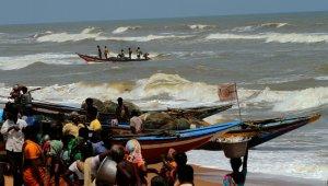 Hindistan Fani Kasırgası'na hazırlanıyor