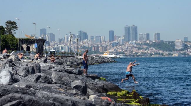İstanbul'da deniz sezonu açıldı