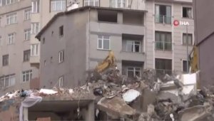 Kağıthane'de 24 binanın yıkımına başlandı