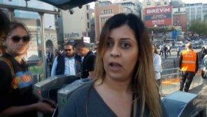 Karaköy'de turistlerin tramvay kavgası kamerada