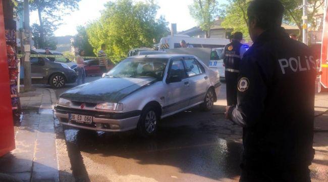 Kars'ta duman çıkan araç polis ve itfaiyeyi alarma geçirdi