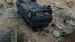 Kontrolünü yitiren otomobil 20 metre yüksekten uçtu