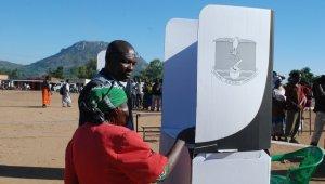 Malavi'de oy verme işlemi sürüyor