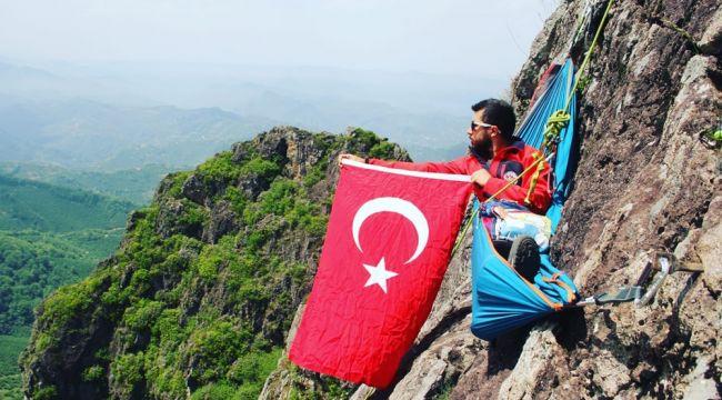 Ordulu 2 genç, 19 Mayıs'ı uçurumda kutladı