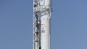 Rüzgar Falcon 9 roketinin fırlatılmasını erteletti