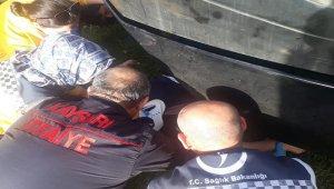 Tramvayın altında kalan yaşlı kadın yaralı olarak kurtarıldı