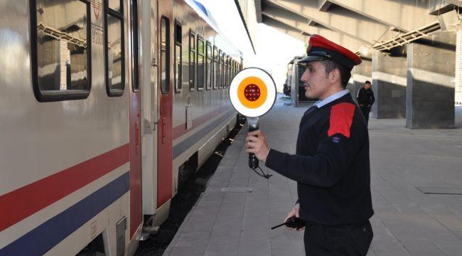 Turistik Doğu Ekspresi Kars'a ulaştı