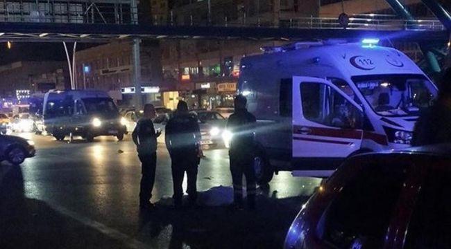 Üst geçit yerine caddeden geçerken aracın çarptığı yaya hayatını kaybetti