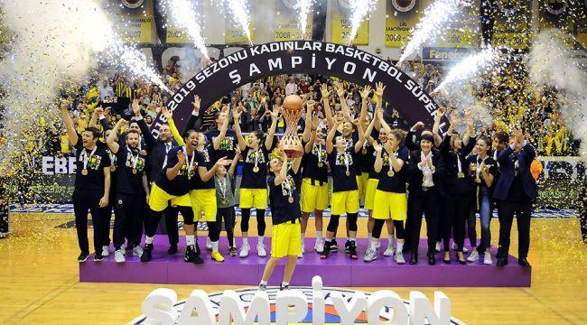 """Valerie Garnier: """"Biz Fenerbahçeyiz"""""""