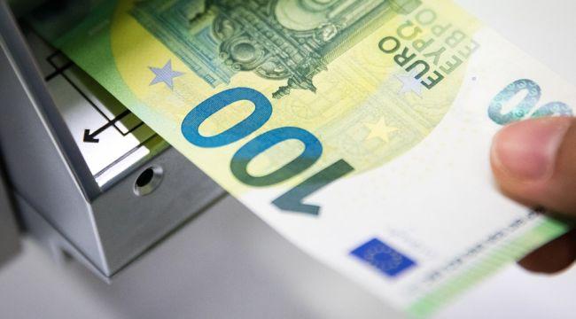 Yeni 100 ve 200 Euro'lar dolaşıma girdi