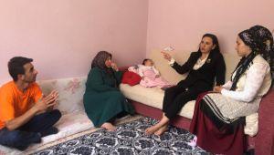 Ak Parti İzmir İl Başkanlığı Elif Su Bebeğe Sahip Çıktı