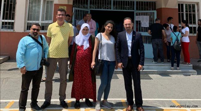 CHP'nin İzmir Temsilcileri Seçmeni Sandık Başına Ulaştırdı