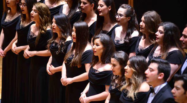 Festivalde Türk Müziği Gecesi