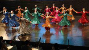 Karşıyaka Belediyesi'nden ücretsiz halk dansları kursu