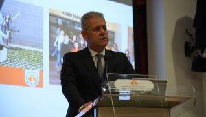 Özgener; 'İzmir Ekonomi Üniversitesi Bizim Gözbebeğimiz'