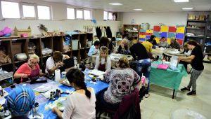 Bornova Belediyesi'nin hobi kurslarında yaz dönemi kurslarına yoğun ilgi