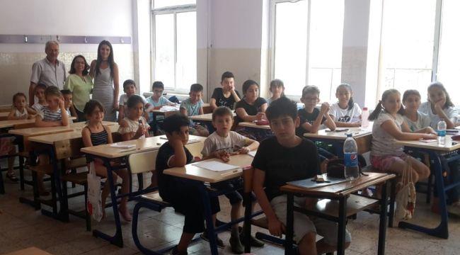 Çiğli'de 3 Muhtar Bir Araya Gelerek Çocuklar İçin Yaz Okulu Açtı