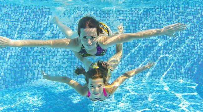 Havuz ve Sıcak Hava Kulak Egzamasını Tetikliyor