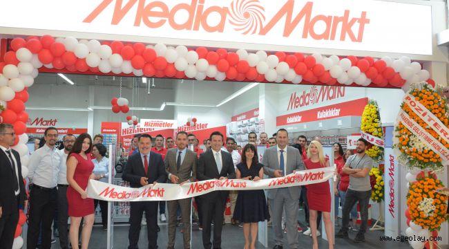 MediaMarkt, Türkiye'deki 74'üncü mağazasını İzmir'de açtı