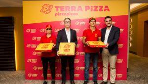 Pizza Pizza yeni dönemde Terra Pizza ismiyle 3 yılda 350 şubeye ulaşacak