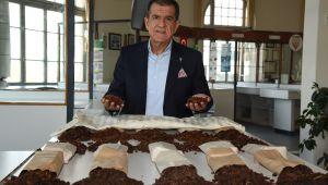 """""""Türk kuru üzümünün değerini TMO, ihracatçı ve üretici birlikte koruyalım"""""""