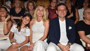 Zülfü Livaneli Sevgisi Antik Tiyatro'ya Sığmadı