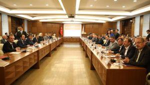 Bakan Selçuk, Türk-İş Başkanı ile bugün bir araya gelecek