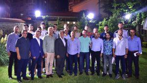 Başkan İduğ, 1. Lig'de mücadele edecek basketbol takımı ile moral yemeğinde buluştu