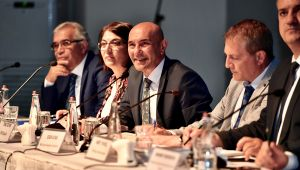 Başkan Soyer, İzmirliler'in ulaşım ile ilgili talep ve önerilerini dinledi