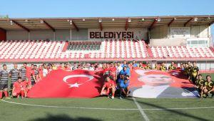 Bayraklı'da Futbol Turnuvası Başladı