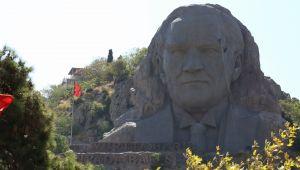 Buca Belediyesi'nden Atatürk Maskı'nda özel bakım çalışması