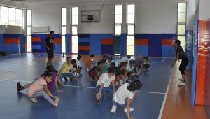 Çocuklara EÜ'den spor ve dans eğitimi