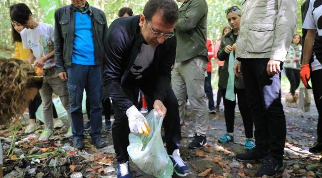 Başkan Ekrem İmamoğlu Poşetini aldı çöp topladı