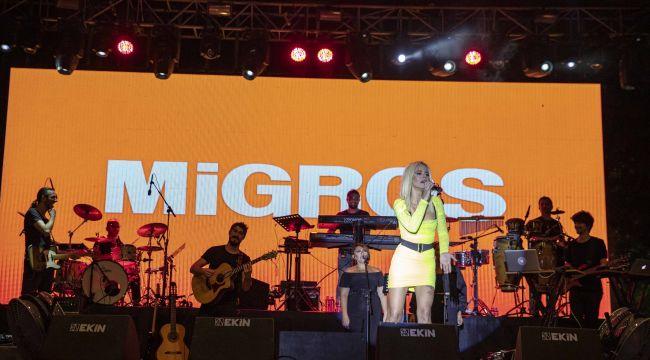 İzmirliler Fuarda Migros Konserleri ile Müziğe Doydu