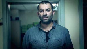 Oyuncu Şevket Çoruh'a İzmir'in göbeğinde bıçaklı saldırı!