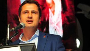 Yücel'den AKP'ye Çağrı