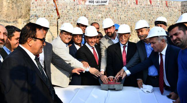 Başkan Tunç Soyer Çiğli'de Cemevi Temel Atma Törenine Katıldı