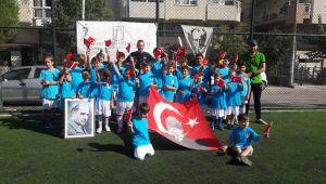 Bostanlıspor 29 Ekim'i yine Sahada kutladı