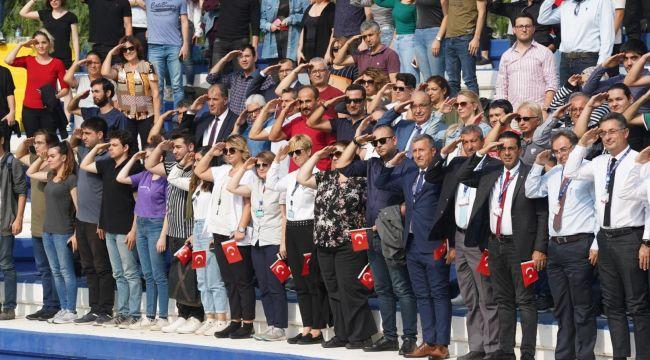 """Ege Üniversitesi Ailesinden Mehmetçik'e """"Selam"""""""
